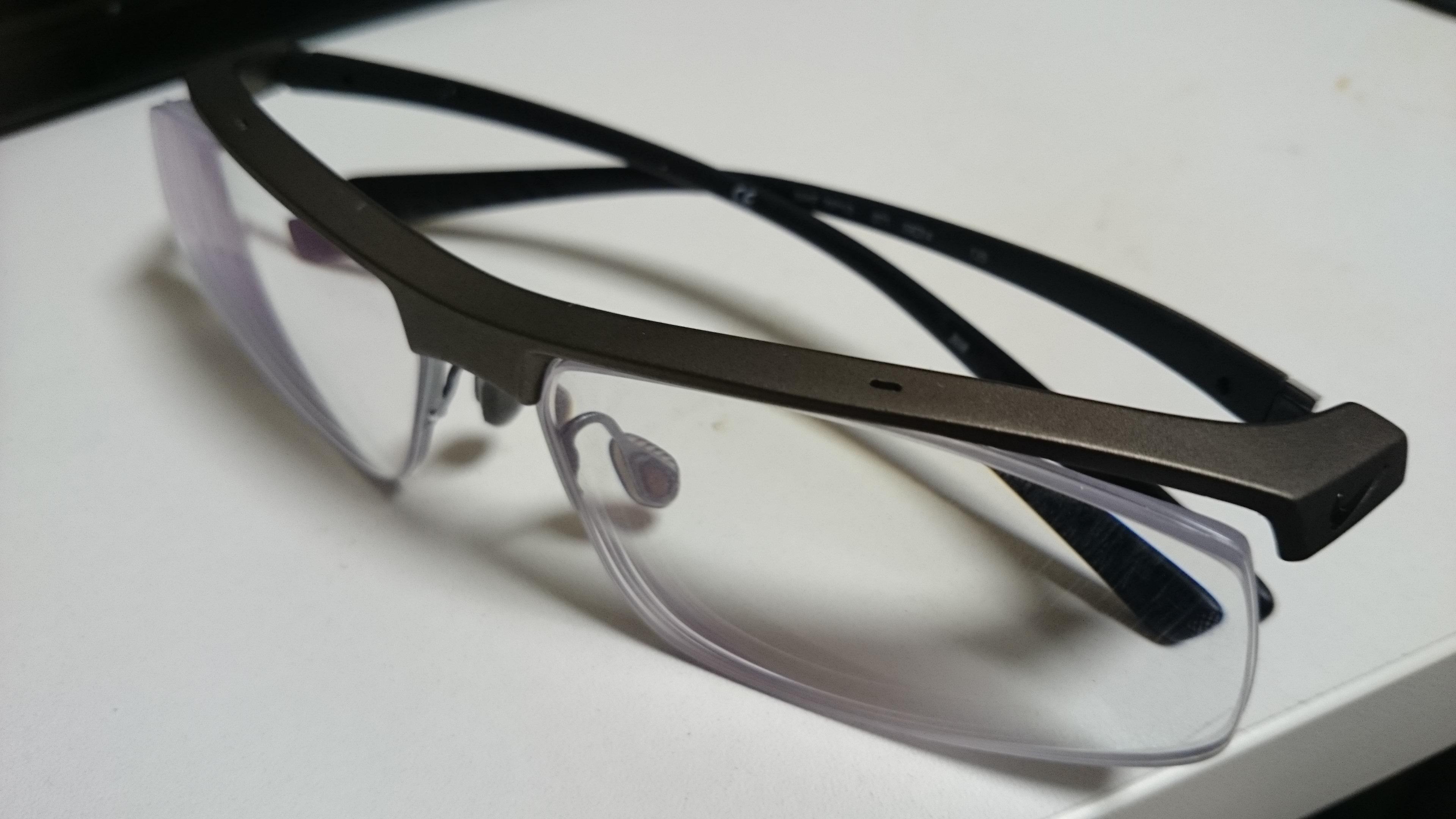 私の特徴・メガネ